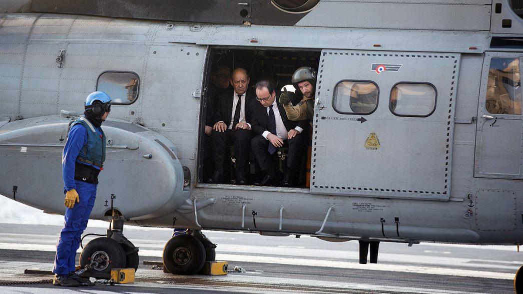 Visita sorpresa de François Hollande al portaaviones Charles de Gaulle