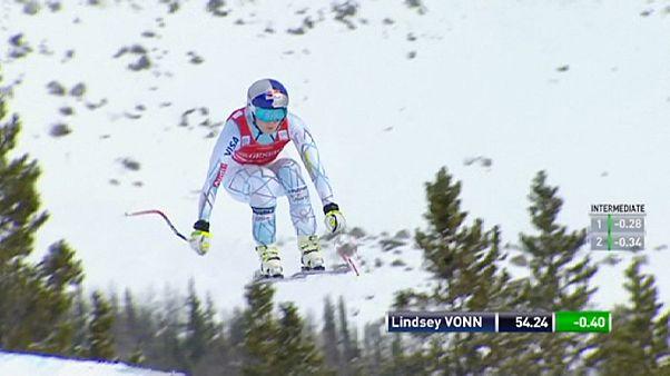Lindsey Vonn Lake Louise pistinde yarışı ilk sırada bitirdi
