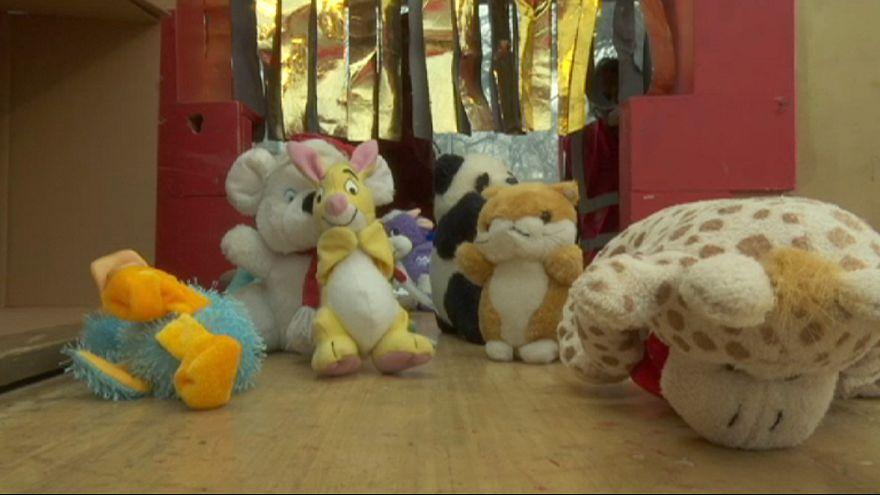 Ungheria: al lavoro la fabbrica di Babbo Natale per i bambini più bisognosi