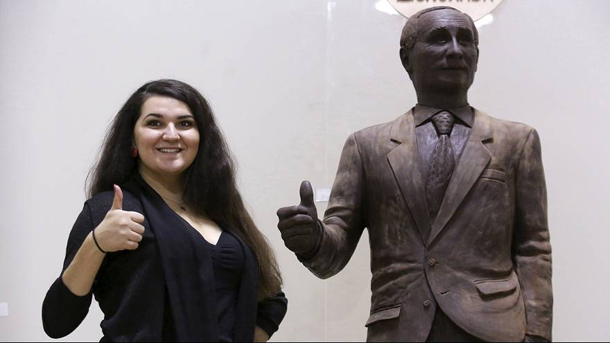 A chocolate Putin is star of St Petersburg festival