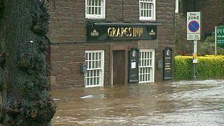 فيضانات عارمة تضرب مناطق بالمملكة المتحدة