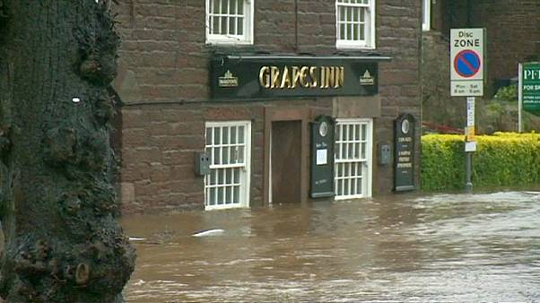 La tormenta Desmond deja un muerto y graves inundaciones en el Reino Unido