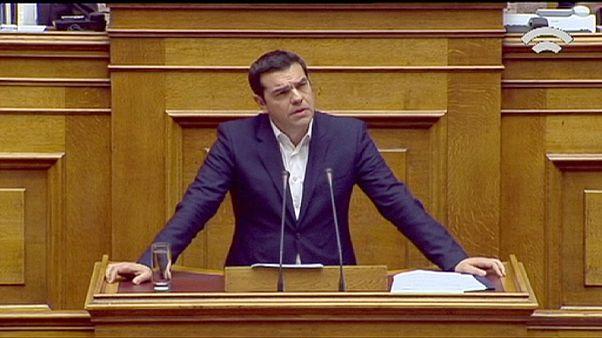 Tsipras consigue la aprobación de su presupuesto de recortes para 2016 por la mínima