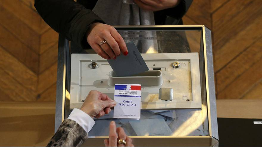 Turnout slightly up in early stages on French regional elections