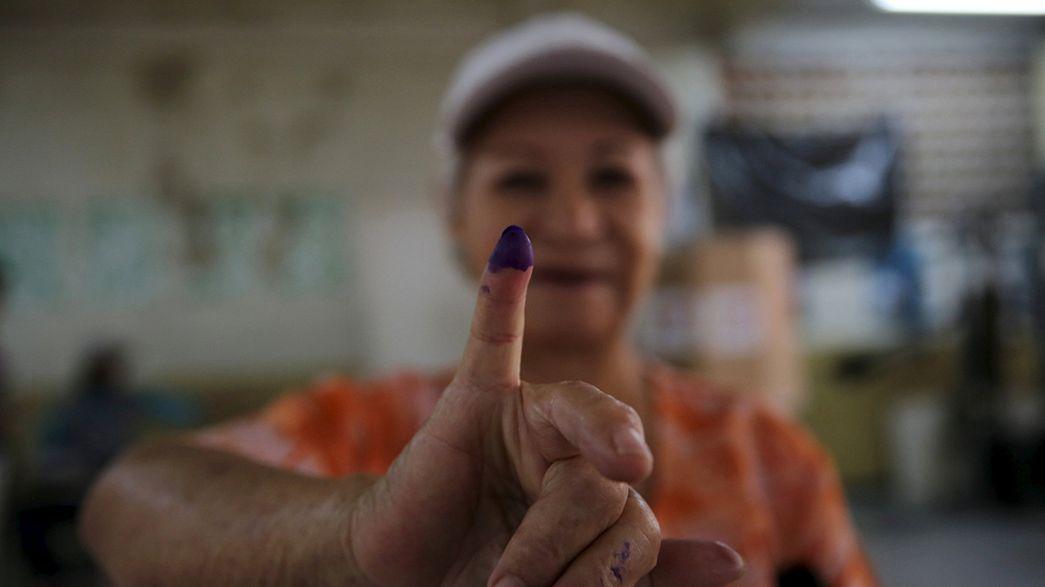 Venezuela : les chavistes au pouvoir pourraient perdre les législatives
