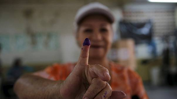 Venezuelans vote as polls predict return of the right after 16 years out of office