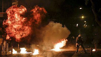 Grécia: Aniversário da morte de adolescente gera tensão