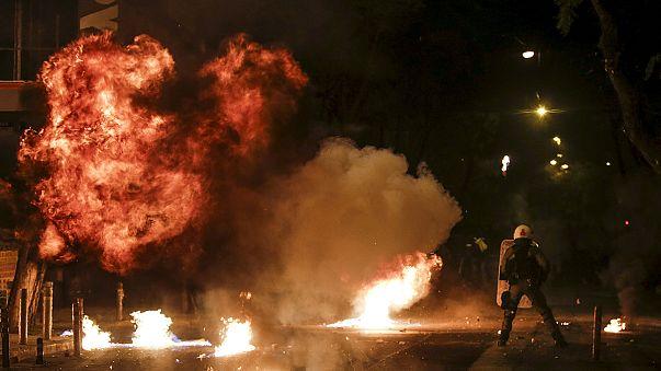 Noche de cócteles molotov en Atenas en memoria de Alexandros Grigoropoulos