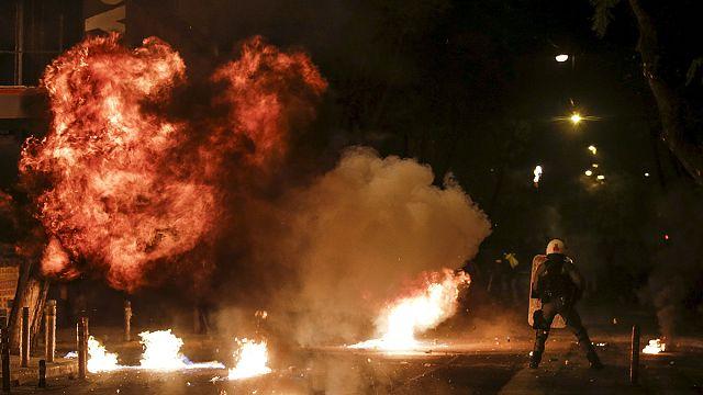 Афины: беспорядки в память об убитом подростке
