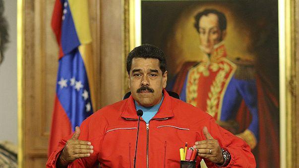 Оппозиция взяла большинство мест в парламенте Венесуэлы