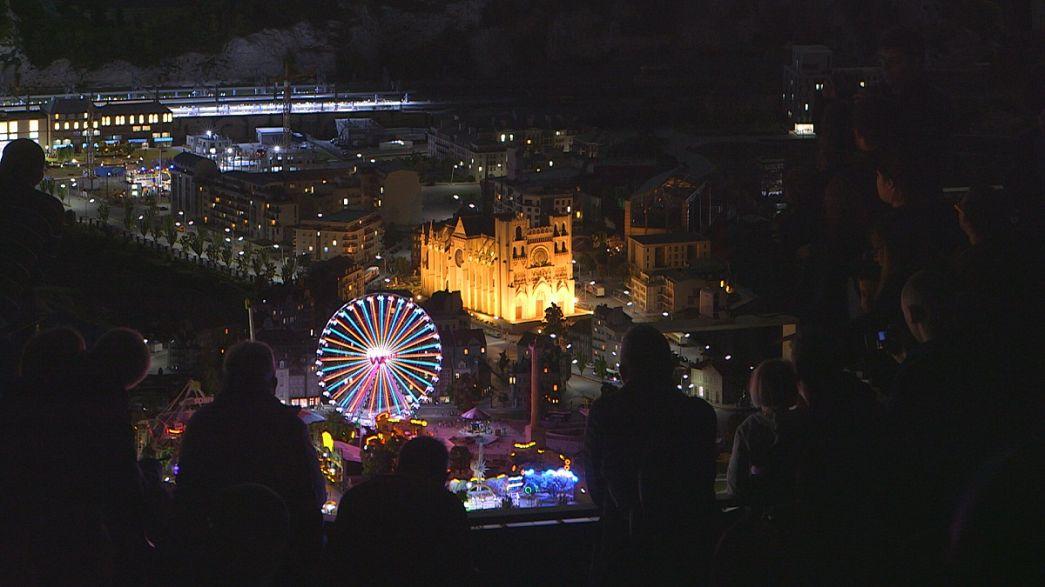 """Lichtshow und Weihnachtsstimmung in der """"Mini World Lyon"""""""