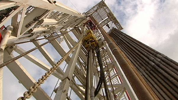 Ακόμα πιο χαμηλά το πετρέλαιο