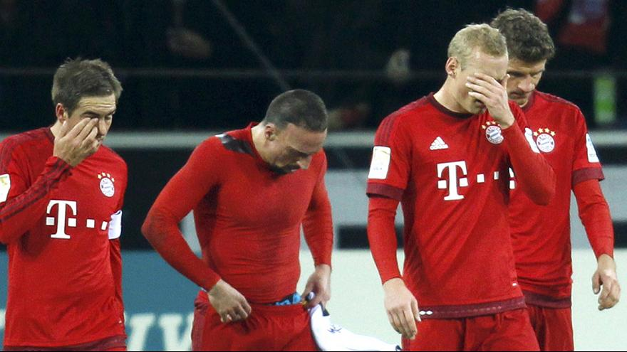 Bayern suffer first league defeat of campaign as Kagawa fires Dortmund to thrilling stoppage-time win