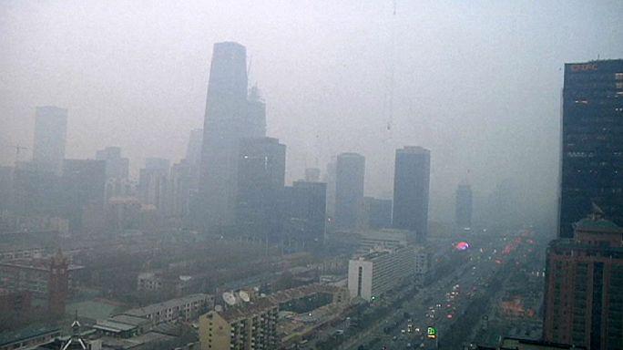Vörös színtű szmogriadó Pekingben