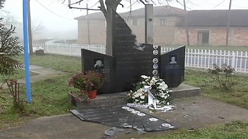 Un'abitazione e un monumento serbo attaccati in Kosovo
