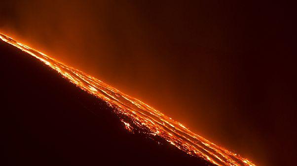 Ιταλία: Ξημερώματα σε ένα από τα πιο ενεργά ηφαίστεια του κόσμου