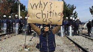 Egyre nő a feszültség a görög-macedón határon