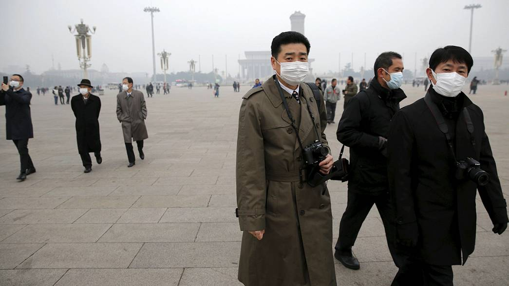 Alarmstufe Rot: Luftverschmutzung legt Peking lahm
