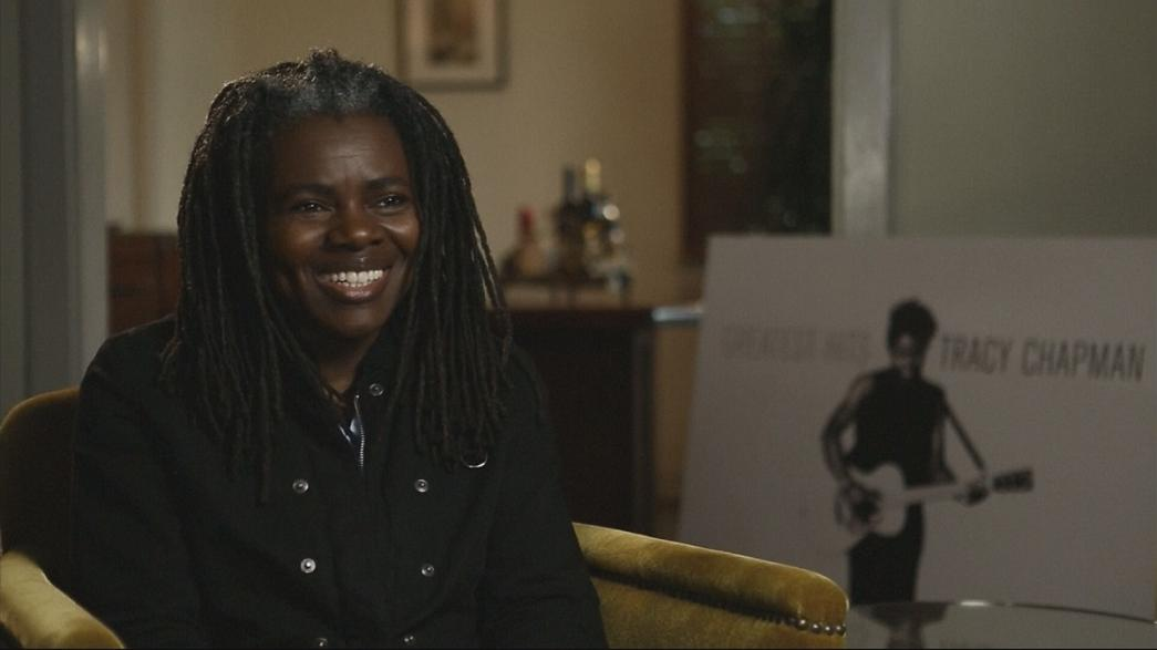 "Tracy Chapman lança ""Greatest Hits"""