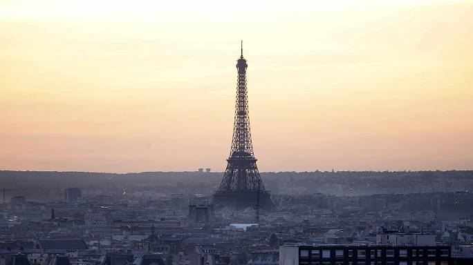 Terör saldırıları Fransa'da büyüme beklentilerini de vurdu