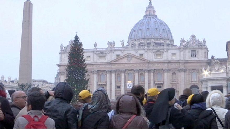 Religion : avec des pèlerins catholiques, vers la Porte sainte à Rome
