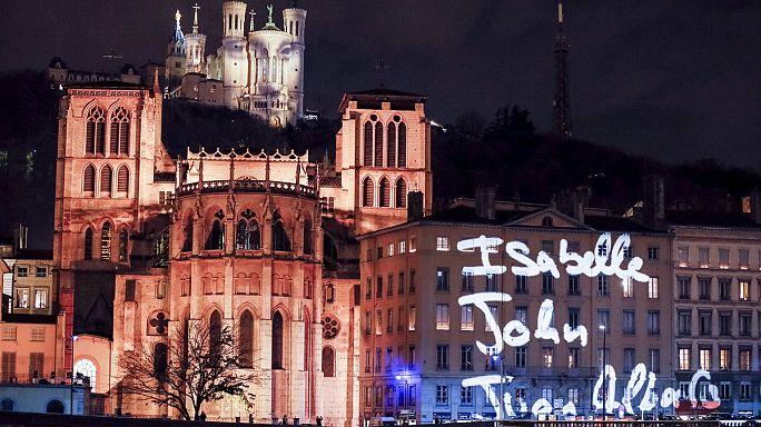 A fények helyett a gyertyák ünnepe Lyonban