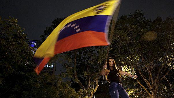 فنزويلا: فوز المعارضة بثلثي المقاعد في البرلمان