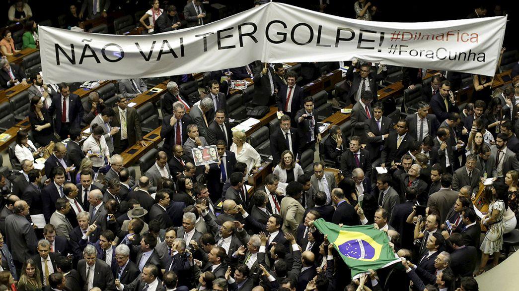 Brasile, Corte Suprema sospende procedura impeachment per Rousseff