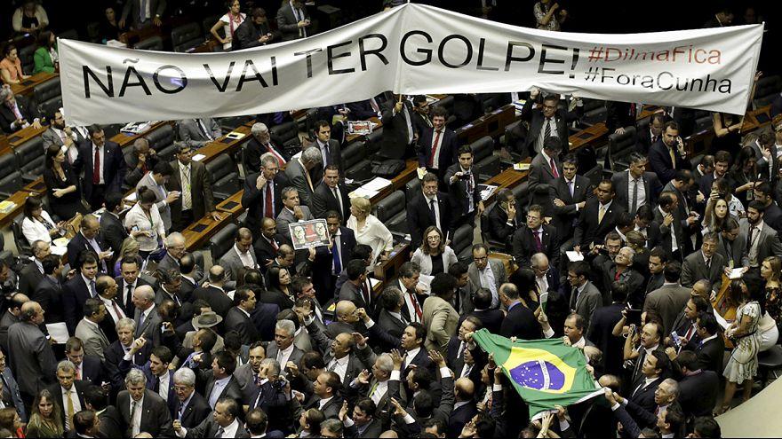 Бразилия: подготовка к импичменту президента приостановлена