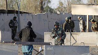 Tálib támadás, tűzharc a kandahári repülőtérnél