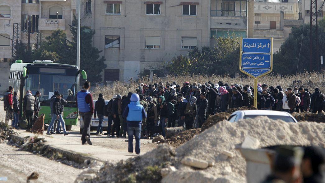 Síria: Rebeldes começam a abandonar Homs