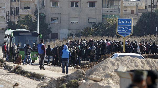 Siria. Gli ultimi ribelli lasciano Homs dopo l'accordo di cessate il fuoco con Damasco