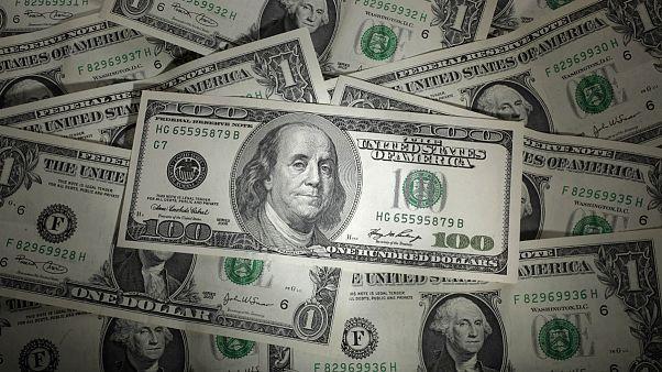 بررسی سیاستهای پولی بانکهای مرکزی آمریکا و اروپا