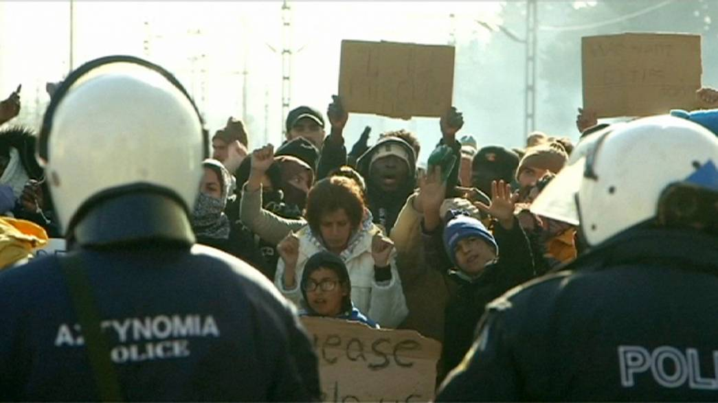 مقترح ألماني فرنسي لنشر قوة تدخل سريع لمنع تدفق اللاجئين عبر اليونان