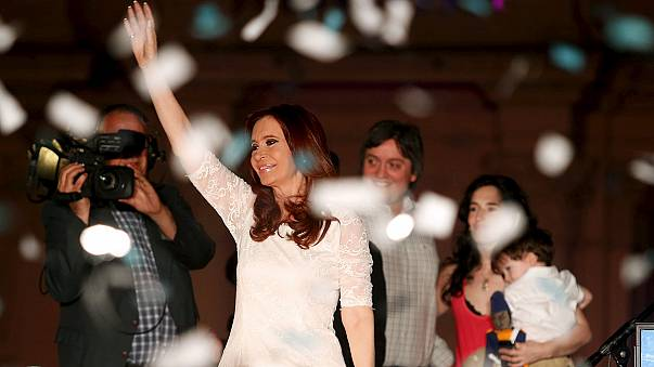 Arjantin lideri Kirchner'den veda mitingi