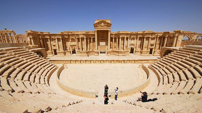 ISIL militants raising funds by selling looted antiques