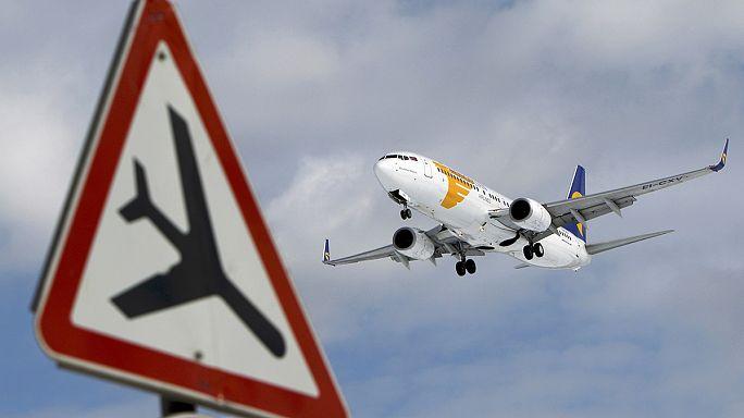 Januárban szavazhatnak a légi utasok nyilvántartásáról