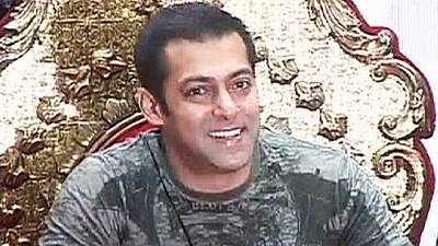 """Estrela de """"Bollywood"""" absolvida em processo de homicídio"""