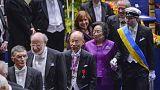 الفائزون بجوائز نوبل في العلوم الدقيقة والاقتصاد والآداب يتسلمونها في استوكهولم
