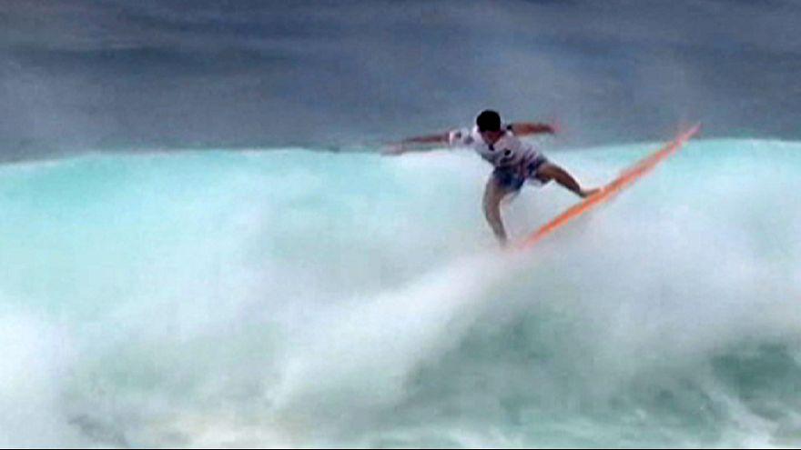 Surfing: Rising star Robinson books spot at Billabong Pipe Masters