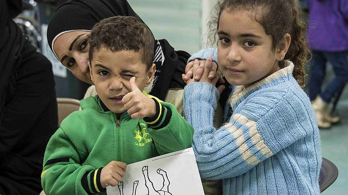 Беженцев из Сирии доставляют в Канаду военно-транспортные самолеты