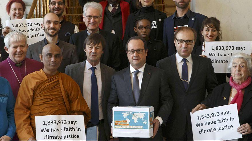 """Clima: ultime ore per un accordo a Parigi. Fabius: """"Traguardo a un passo"""""""