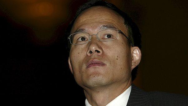 Zuhanó sanghaji tőzsde - örizetben egy kínai milliárdos