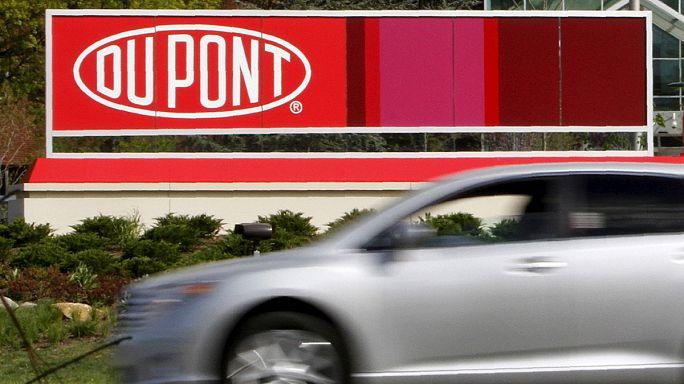 Les géants de l'agrochimie Dow Chemical et DuPont officialisent leur fusion