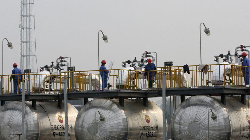 Offerta record e domanda in frenata: petrolio a $39 al barile