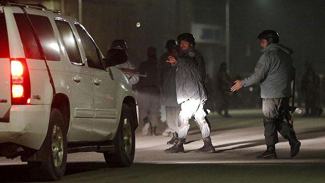 Taliban Kabil'de yabancı diplomatları hedef aldı