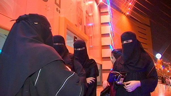 Suudi kadınlar ilk kez sandığa gidiyor