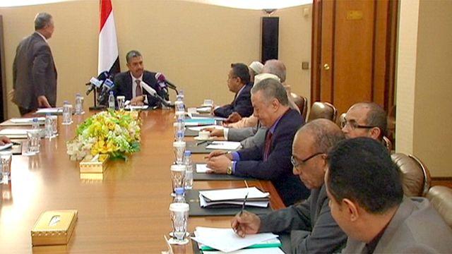 الحكومة اليمنية تؤكد عزمها إنهاء الحرب مع بدء محادثات السلام في جنيف