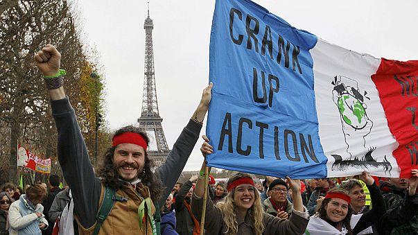 COP21: protesta in rosso