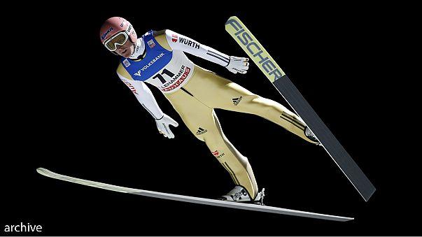 Vol à ski: Freund plane en tête